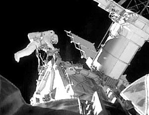 Во время шестичасового выхода в открытый космос астронавты Мастраккио и Уильямс закрепили одну из балок конструктивной фермы МКС