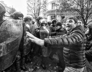 Иванишвили решил не повторять ошибок Януковича и велел разгонять Майдан дубинками