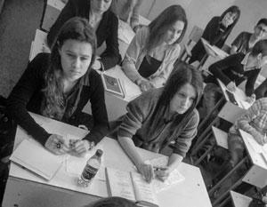 В школах Латвии детям велели читать роман с оскорблением русских