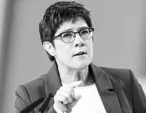 Преемница Меркель потребовала новых мер против России из-за дела Хангошвили