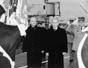 В качестве министра иностранных дел Юбер Ведрин встречал Владимира Путина в ходе визита президента во Францию почти 18 лет назад