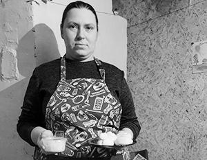 Ирина Евграфова демонстрирует продукты собственного изготовления