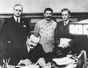 В Польше хотят запретить толкование истории «с российской точки зрения»