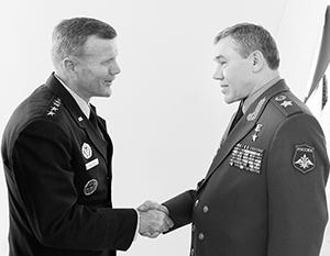Генералам Уолтерсу и Герасимову было о чем поговорить