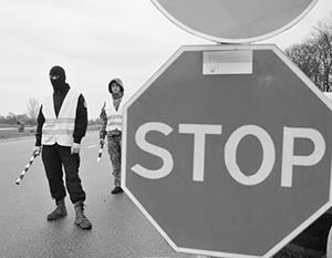 Жители ряда украинских регионов выставили против коронавируса самодеятельные посты на дорогах