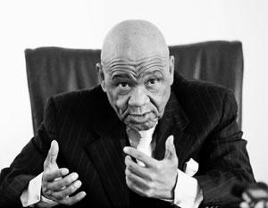 Томасу Табане 82 года, но по нему этого не скажешь
