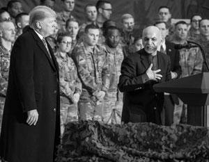 Дональд Трамп и президент Афганистана Ашраф Гани на американской военной базе в ноябре прошлого года