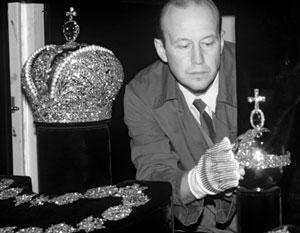 Знаменитые сокровища Алмазного фонда России - даже они стали предметом желаний Киева