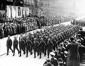 Март 1939 года. Немецкие войска парадным строем проходят по Праге