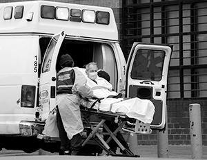 Американская система здравоохранения по-прежнему находится на пике своего напряжения