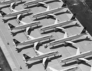 Тысячи самолетов оказались прикованы к земле