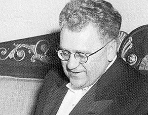 Чрезвычайный и полномочный посол СССР при Союзных государствах Виктор Захарович Лебедев