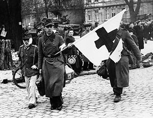 Сотрудники Красного Креста способствовали бегству нацистских преступников по подложным документам