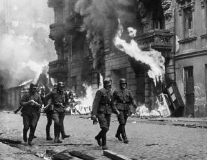 Ужасы Второй мировой были предопределены решениями политиков, в том числе польских