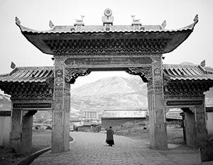 Тибет был абсолютно уникальным государством, но большая часть его культурного наследия теперь уничтожена