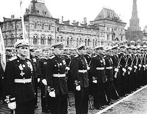В июне 1945 года по Красной площади маршировали солдаты-победители, взявшие штурмом Берлин
