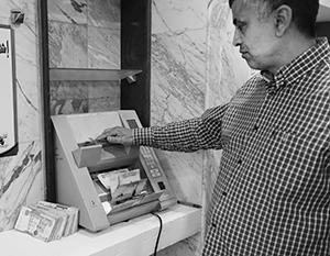 Госдеп тщательно подсчитывает ливийские деньги, отпечатанные Россией