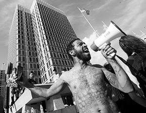 Бунты в США стали борьбой поколений, а не рас
