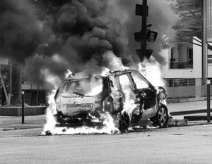 Три дня в Дижоне агрессивные группы вступали в столкновения, уничтожали камеры видеонаблюдения, поджигали машины