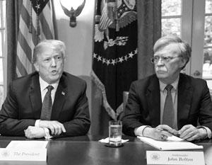 У этой пары не задалось с самого начала: якобы Трампу не понравились фирменные моржовые усы Болтона