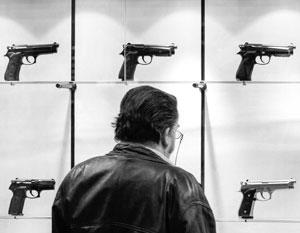 Купить пистолет за рубежом и легализовать его в России еще не так давно было решаемой задачей