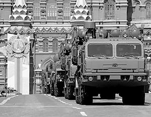 Новейшая система ПВО С-350 «Витязь» впервые показана на параде в Москве