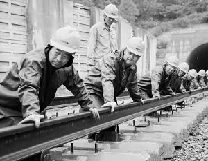 Строить колею будут, скорее всего, китайские компании и рабочие