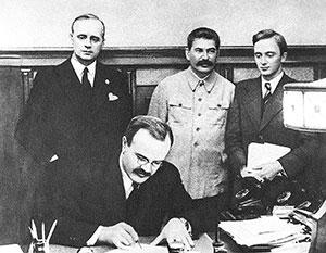 Внешнеполитическое руководство СССР настойчиво искало возможности избежать войны