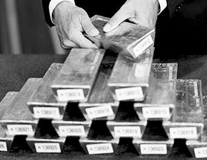 США и Великобритания отдавать чужое золото не спешат