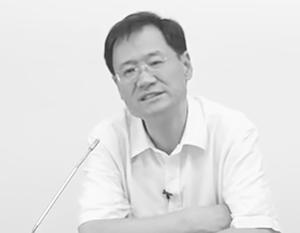 Цуй Чжуанжунь позволял себе не по-китайски резкие личные выпады в адрес председателя Си типа «невежественный политик»