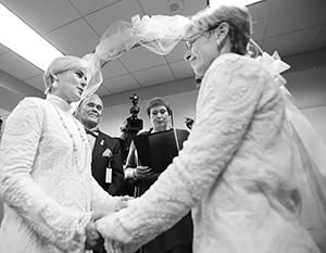 Однополые пары в Эстонии последовательно добиваются для себя все больше прав
