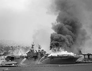 Пожар полностью уничтожит один из крупнейших кораблей ВМС США