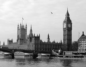 Лондон пытается сохранить веру людей в британскую демократию и науку