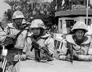 Египетская армия готова к марш-броску на запад, в Ливию