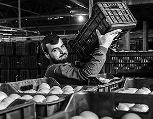 Московские фруктовые и овощные прилавки пострадали от закавказского конфликта