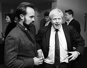 Евгений Лебедев (слева) очень дружит с нынешним премьером Британии Борисом Джонсоном