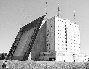 Численность военного контингента РФ в Белоруссии оценивается в 800 человек, службу они несут на 43-м узле связи ВМФ России и на РЛС «Волга»