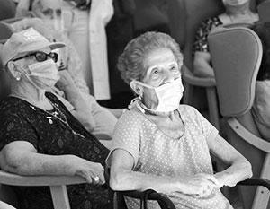 Пожилых людей Запада постепенно накрывает бедность, раньше известная их сверстникам в странах третьего мира