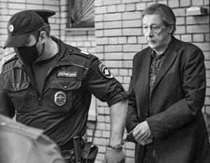 Из суда Ефремова доставили в СИЗО, однако в колонию актер может не попасть