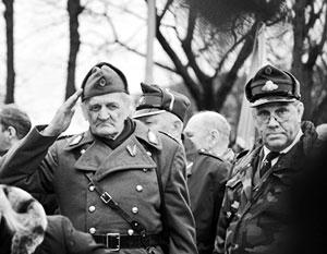 Всего в разных странах мира могут проживать более 300 бывших латышских легионеров СС