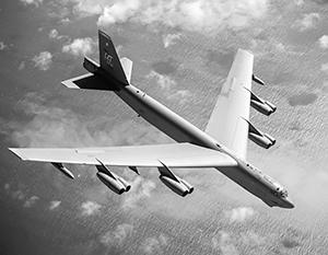 Для «взлома» ПВО Калининграда одного B-52 недостаточно, нужны сотни бомбардировщиков