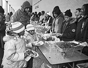 Американским беднякам предлагают изменить свое представление о семье