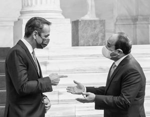 Мицотакис (слева) и Ас-Сиси разделили богатые недра Средиземного моря без учета интересов турок