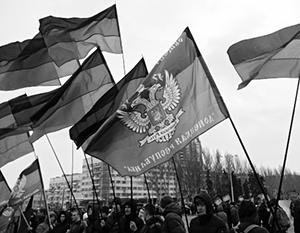 Предоставление Донбассу автономии поддерживают 48,6% украинцев, против только 38,8%