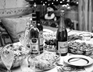 Новогодний стол для россиян подорожал на треть