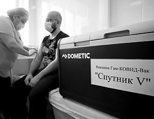 Российская вакцина могла бы спасать и украинских граждан
