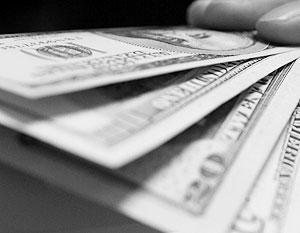 Доллар упал до минимального значения за 15 лет