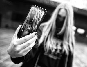 Популярность в соцсетях для подростков важнее, чем предостережения родителей