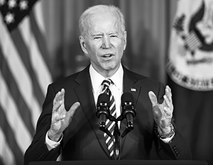 «Америку на первом месте» сменяет «Америка во главе», а на место внешнеполитического эгоизма приходит коллективизм