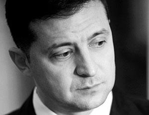 В условиях падения рейтинга Зеленский начал борьбу не только с оппозиционными телеканалами, но и с блогерами